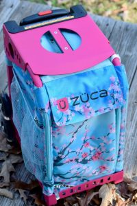 Best travel bags. Packing made simple with these incredible travel bag. Best carry-on bags, best travel bags for families. #packing #packingforkids #familytravel #travel #packingsolutions