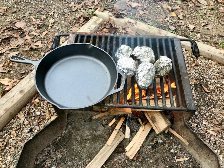 We have all the information you need on what to pack when cooking while camping. Camping checklist printable.