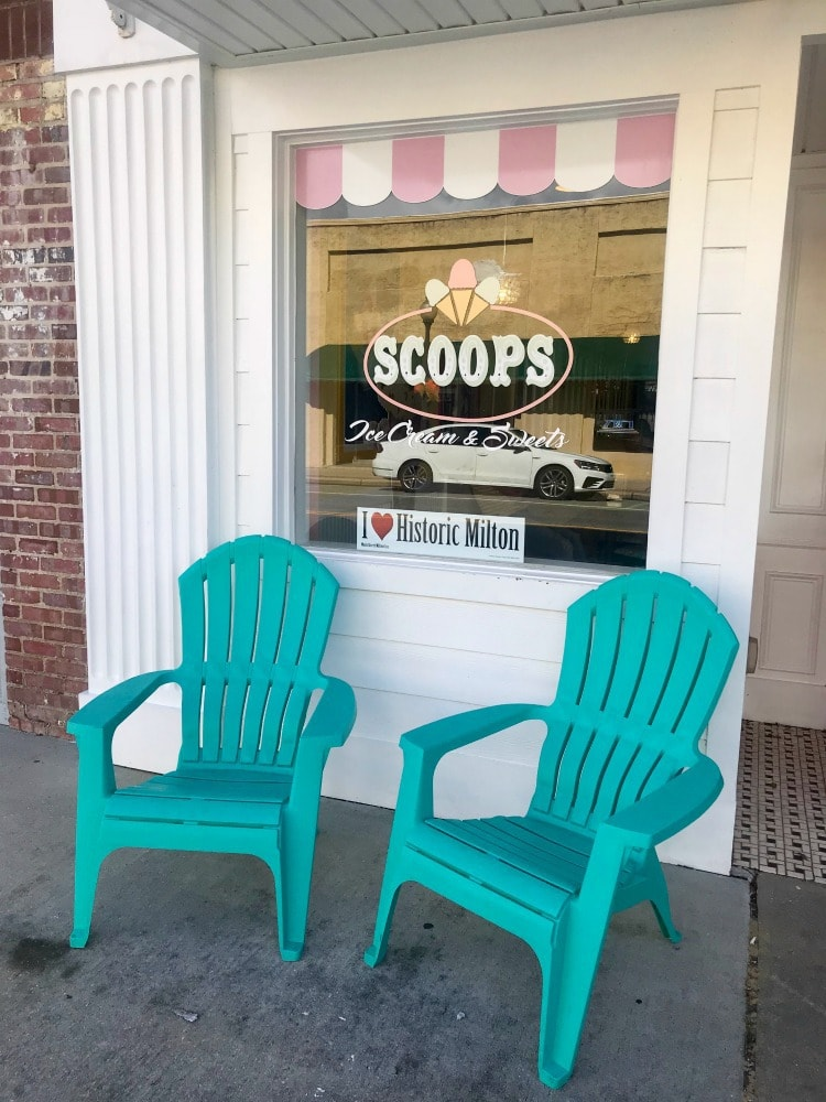 Where to eat in Milton Florida Scoops Ice Cream Shop